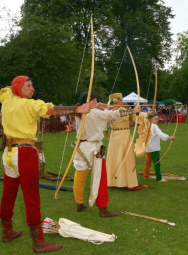 Demonstrations of medieval archery